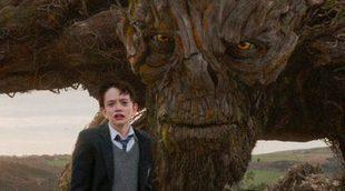 'Un monstruo viene a verme' tiene este ridículo póster