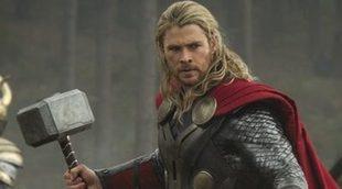 Chris Hemsworth pierde su martillo en la primera imagen oficial de 'Thor: Ragnarok'
