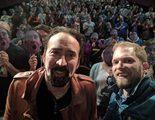 Nicolas Cage se presenta por sorpresa en una convención en su honor, y por supuesto arrasa