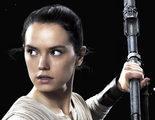 Chris Pratt, Penélope Cruz y J.J. Abrams acosan a Daisy Ridley para descubrir secretos de 'Star Wars: Los últimos Jedi'
