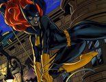 Lindsey Morgan ('Los 100') juega al despiste: ¿Será ella Batgirl?