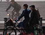'El regreso de Mary Poppins': La niñera cambia su paraguas por la bicicleta en las nuevas imágenes del rodaje