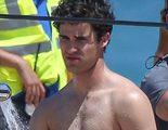 'American Crime Story': Darren Criss revoluciona las redes luciendo un mini bañador speedo en el rodaje