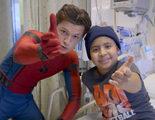 'Spider-Man: Homecoming': Tom Holland visita un hospital infantil vestido con su traje de Spider-Man