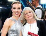 Scarlett Johansson asiste con 'su doble' a la premiere de 'Una noche fuera de control'
