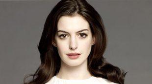 Anne Hathaway podría ser 'Barbie' tras la marcha de Amy Schumer