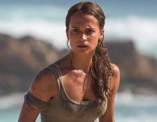 Los fans, asustados por el uso de Photoshop en el póster de 'Tomb Raider'
