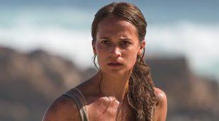 'Tomb Raider': Los fans se han quedado un poco locos con el cuello de Alicia Vikander en el primer póster