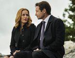 ¿Por qué se han arrodillado Gillian Anderson y David Duchovny en el rodaje de 'Expediente X'?