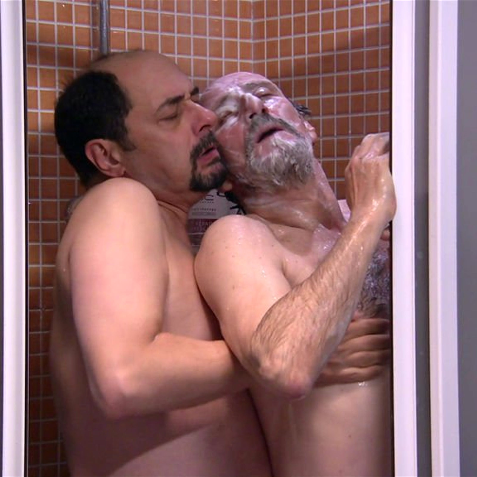 Actores La Que Se Avecina Porno la que se avecina' vuelve con una escena gay entre el recio