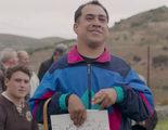 El Langui canta en un tronchante videoclip para su nueva película 'Que baje Dios y lo vea'