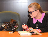 El perro de Carrie Fisher, Gary, ya ha visto 'Star Wars: Los últimos Jedi' y su reacción te enternecerá