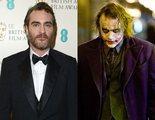 Joaquin Phoenix dice no saber nada de la película del Joker y se va en medio de una entrevista