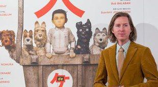 Así presentó Wes Anderson en Madrid su nueva película: 'Isla de perros'