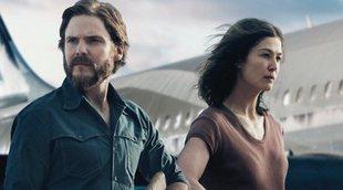 Póster exclusivo de '7 días en Entebbe' con Rosamund Pike y Daniel Brühl