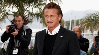 Sean Penn arremete en su primera novela contra el movimiento #MeToo y Donald Trump