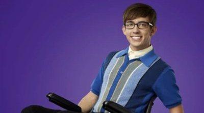 Kevin McHale ('Glee') sale del armario y da las gracias a Ariana Grande