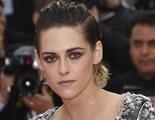 Kristen Stewart se descalza en la alfombra roja de Cannes en contra de su norma de sólo tacones