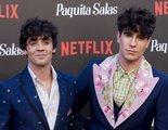 Los Javis anuncian que se han casado en secreto en la premiere de la temporada 2 de 'Paquita Salas'
