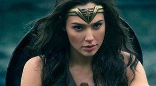 Gal Gadot visita un hospital vestida de Wonder Woman
