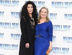 Cher y Meryl Streep se besan en la premiere de 'Mamma Mia! Una y otra vez'