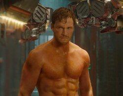 Chris Pratt y John Krasinski lucen músculos por una buena causa