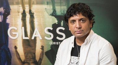 Entrevistamos a Shyamalan en Sitges, donde nos presentó 20 minutos de 'Glass'