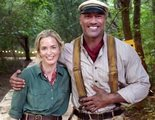 Dwayne Johnson y Emily Blunt, de risas durante el rodaje de 'Jungle Cruise'