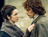 El productor de 'Outlander' critica el shippeo agresivo de los fans: 'No es sano para nuestro reparto'