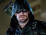 Stephen Amell ('Arrow') habla sobre si Batman o Linterna Verde podrían entrar en el Arrowverso