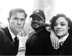 Chris Hemsworth celebra el final del rodaje de 'Men in Black' con esta foto