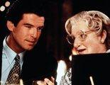 """'Señora Doubtfire': Pierce Brosnan se reúne con los """"hijos"""" de Robin Williams 25 años después"""
