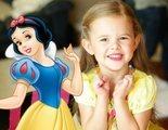 Una niña de 6 años canta todas las canciones de las Princesas Disney, y encima en Disney World