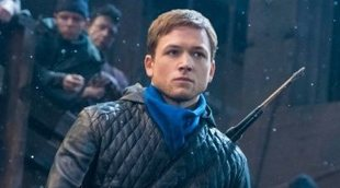 Taron Egerton luce torso en este clip exclusivo de 'Robin Hood'