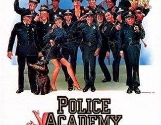 10 curiosidades de 'Loca academia de policía'