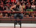 Dos luchadores de la WWE han versionado 'Shallow' de Lady Gaga y Bradley Cooper en plena pelea