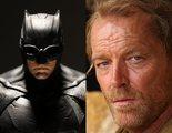 'Titanes': Iain Glen ('Juego de Tronos') será Batman en la segunda temporada