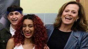 Sigourney Weaver va a ver la obra de teatro escolar de 'Alien'