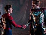 Tom Holland y Jake Gyllenhaal visitan un hospital infantil con sus trajes de 'Spider-Man: Lejos de casa'