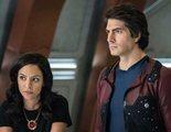 Brandon Routh y Courtney Ford abandonan forzosamente 'Legends of Tomorrow' tras la quinta temporada