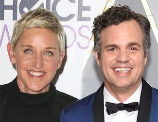 Mark Ruffalo critica en redes a Ellen DeGeneres por ser amiga de Bush