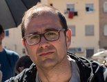 Hablamos con Paco Cabezas del éxito de 'Adiós': 'Siempre he sido un perro verde en el cine español'
