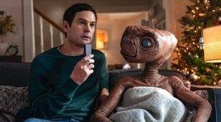E.T. el extraterrestre vuelve a la Tierra y se reencuentra con Elliott