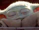 Oda a Baby Yoda mientras se bebe su sopita toda