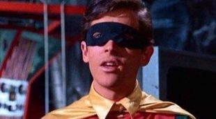 A Burt Ward (Robin) le dieron pastillas para encoger su pene en 'Batman'