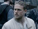 Charlie Hunnam sabe en qué falló 'Rey Arturo: La leyenda de la espada'