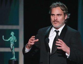 Joaquin Phoenix visita un matadero de cerdos tras la ganar el premio SAG