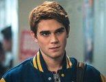 'Riverdale' podría llegar hasta las 7 temporadas (de momento) según K.J. Apa