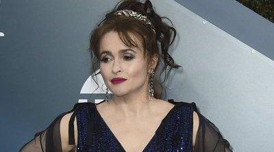 Helena Bonham Carter destaca en la cuarentena por sus looks inexplicables