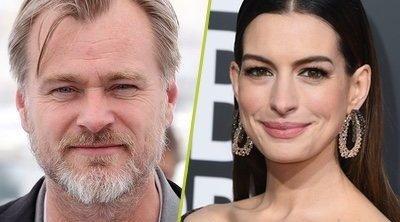 Anne Hathaway cree que la prohibición de sillas en los rodajes de Nolan funciona